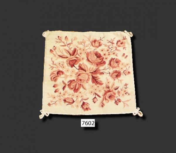 Needlepoint Cushion 2 pcs 7602