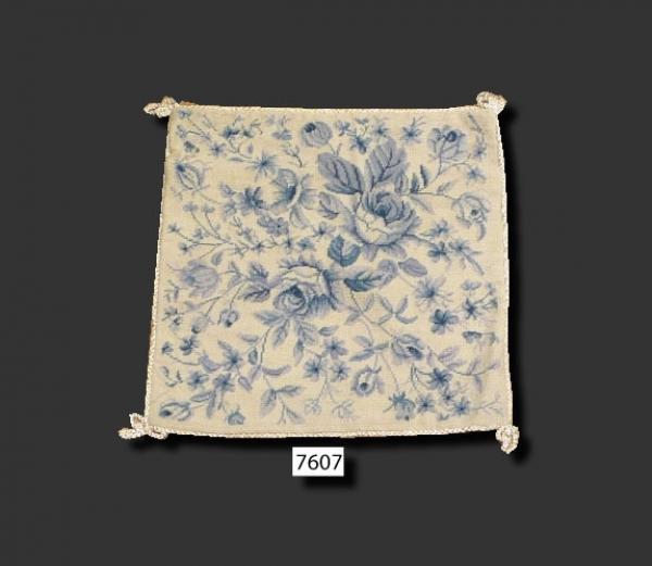 Needlepoint Cushion 12 pcs 7607