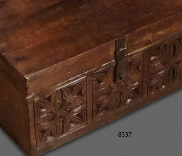 Carved Box 8337