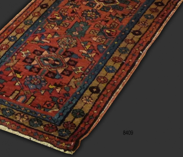 Heriz Runner (antique) 8409