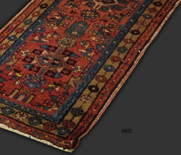 Heriz Runner (antique) 8409