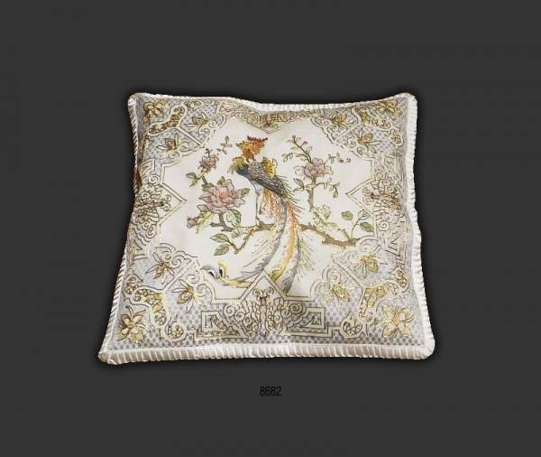 Silk Cushion 8682