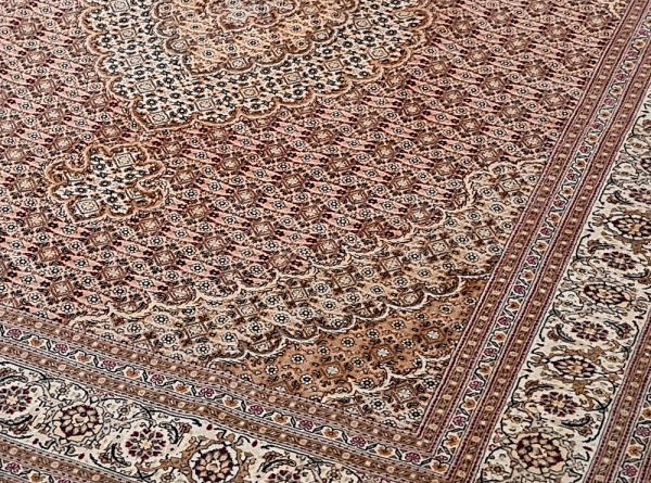 Fine Tabriz 9801