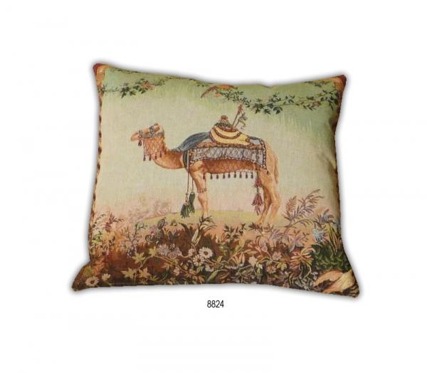 Camel 8824