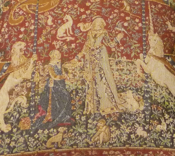 Lady With Unicorn 8805