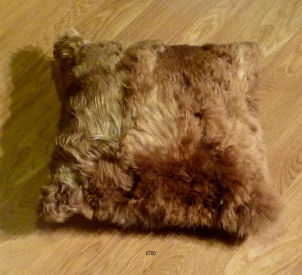 Llama Cushion 6780