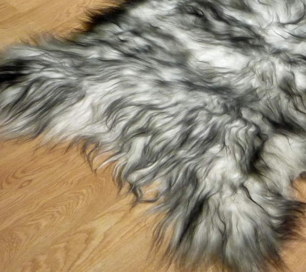 Sheepskin Icelandic 9048