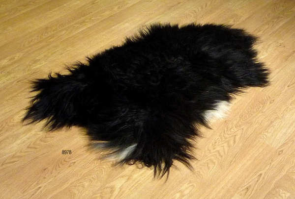 Sheepskin Icelandic Black 8978