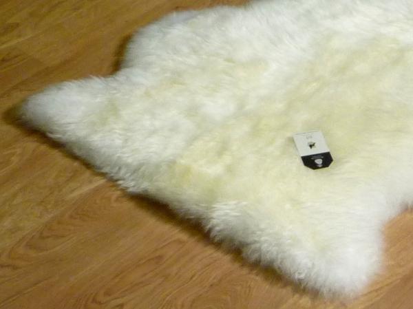 Sheepskin Ivory 9004