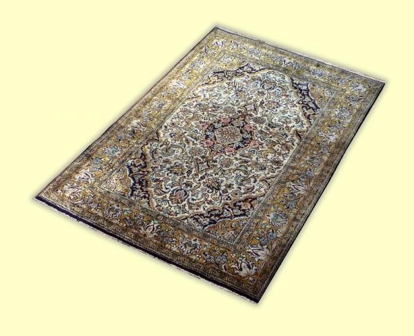 Silk Qum 9358